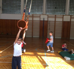 Atletika - 4   Krúžky v škole