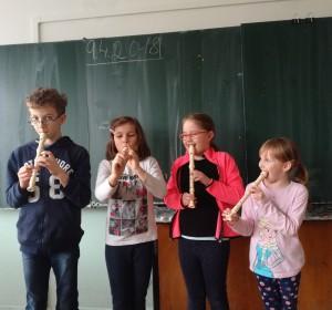 Hra na flautu - 4 | Krúžky v škole