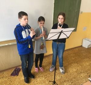 Hra na flautu - 5 | Krúžky v škole