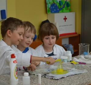 Vedecké pokusy - 3 | Krúžky v škole